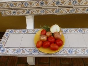 evig din: tomat elsker løk. Løk elsker tomat.